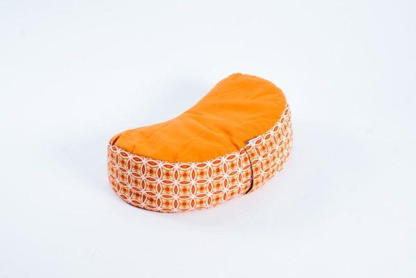 Pernă semilună zafu YogaSat cu hrișcă, portocalie